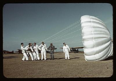paraquedistas.jpg